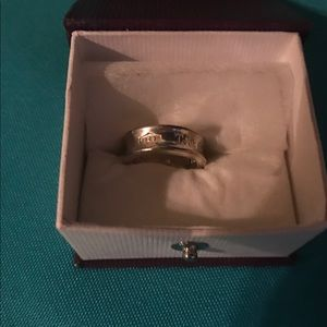 TIFFANY & Co. silver ring size 5